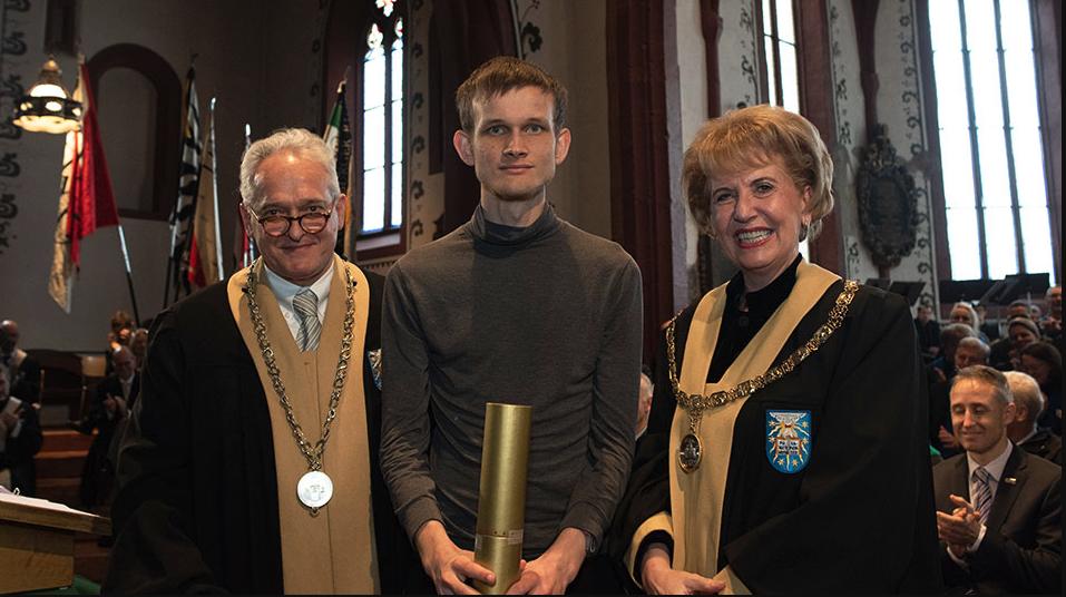 la laurea honoris causa di vitalik buterin