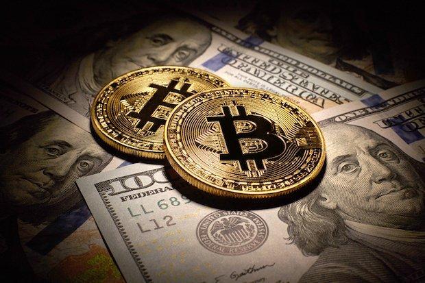 bitcoin e denaro contante